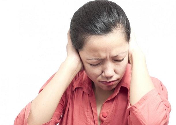 Боль в правом виске головы: причины и лечение
