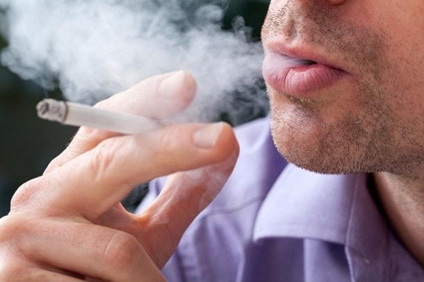 При курении начинает болеть голова