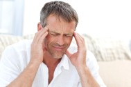 Режущая боль в голове - почему появляется и что делать?