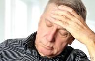 Почему болит голова при отравлении - что делать?